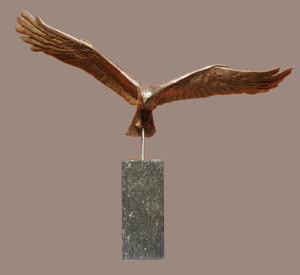 dierplastiek bruine kiekendief, symbool voor Flevoland
